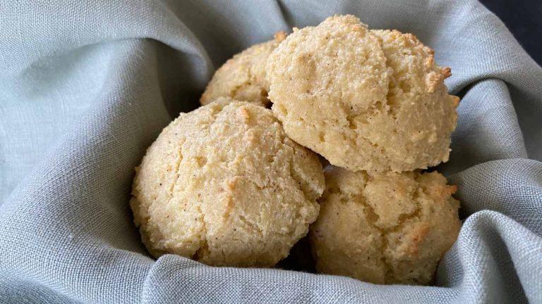 Almond Flour Biscuits – Traditional & Garlic Cheddar