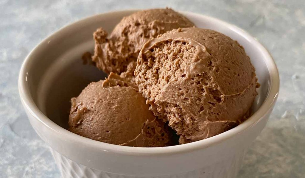 scoops of low carb chocolate mousse in bowl