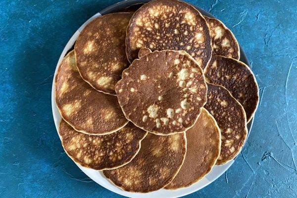 serving plate with almond flour pancakes